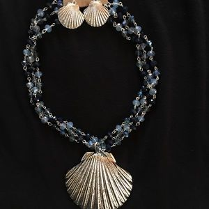 Jewelry - Iconic Sea Shell Style Pendant Necklace & Earrings